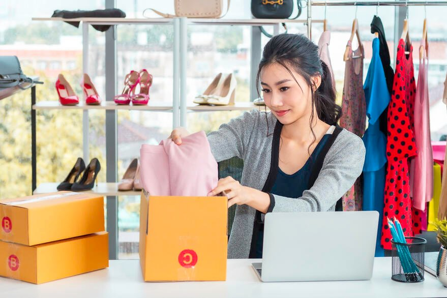 happy-asian-casual-lady-working-startup-small-business-entrepreneur-sme-clothes-shop